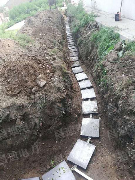 Grounding module construction